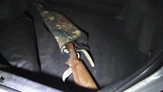 Житель Шекснинского района убил жену, выстрелил в полицейского и покончил с собой