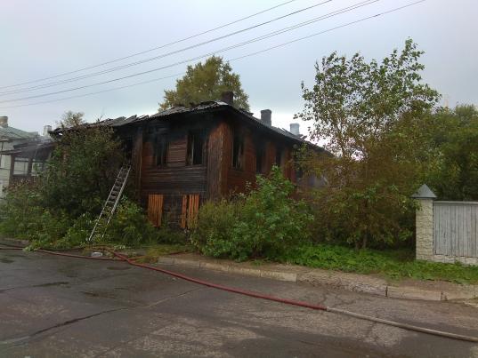 В Вологде в третий раз подожгли расселенный дом на Набережной VI армии, 149