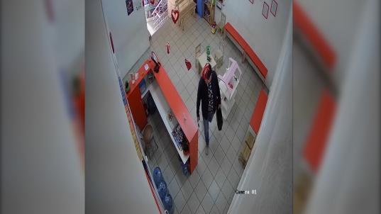 Вор из Северодвинска подбирал ключи к подсобкам магазинов в Вологде и похищал кошельки