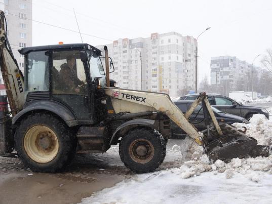 С 25 февраля мешающие уборке улиц автомобили в Вологде будут эвакуировать
