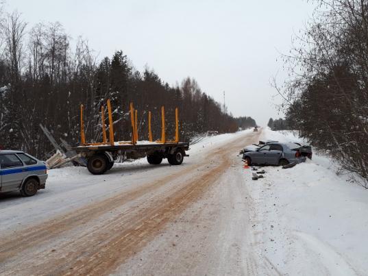 В Великоустюгском районе водитель ВАЗа погиб в ДТП с КамАЗом