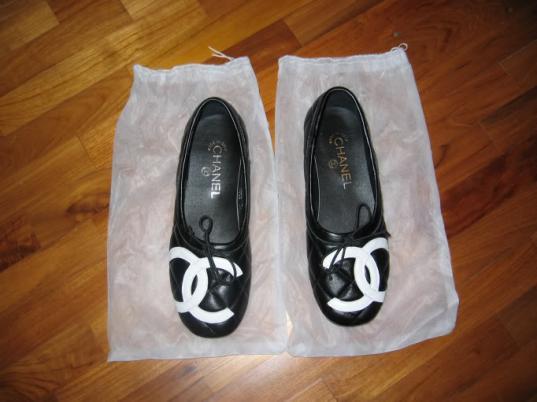 ВНикольске продавца поддельных кроссовок итуфель «CHANEL» оштрафовали на5 тысяч рублей