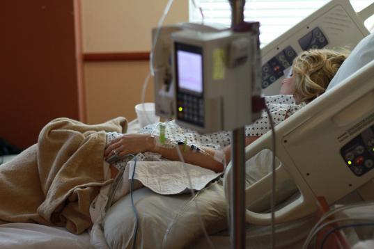 В России родственникам разрешили посещать пациентов в реанимации