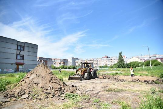 У школы №33 в Вологде в рамках проекта «Народный бюджет ТОС» оборудуют  площадку с элементами воркаута