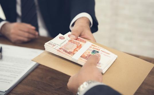 В Вологде владелец магазина запчастей оформил кредиты на 400 тысяч рублей по чужим паспортам