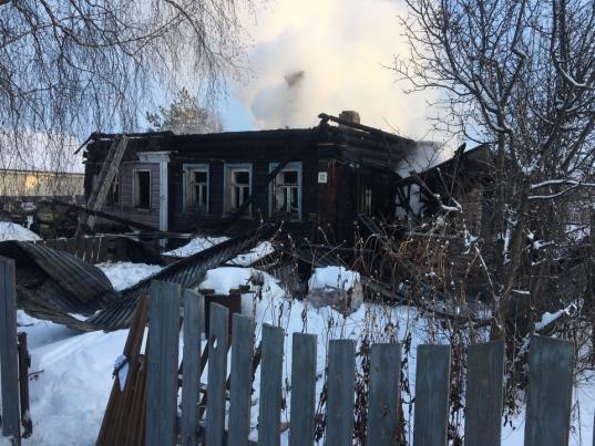 58-летний мужчина погиб на пожаре в доме на Ершовской улице в Вологде