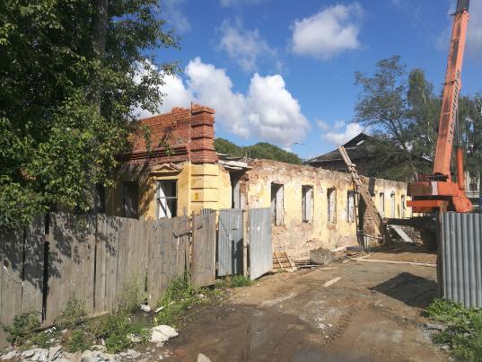 Суд запретил бизнесмену Игорю Смирнову строительные работы на памятнике архитектуры на Чернышевского, 58