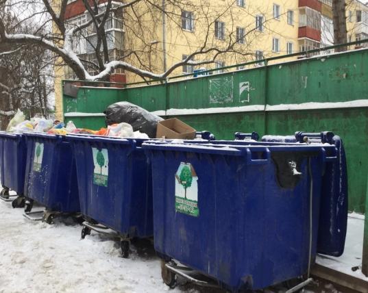 Покупку мусорных контейнеров власти Вологодской области пытаются переложить на собственников жилья
