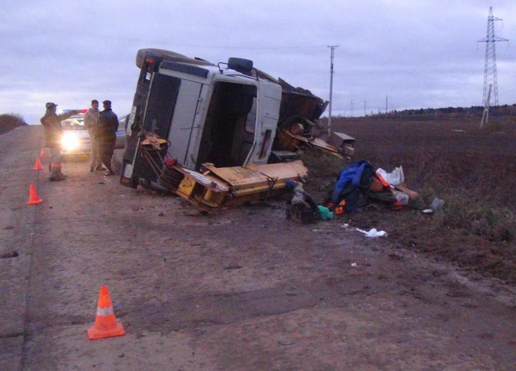В Грязовецком районе пьяный водитель опрокинулся на автокране «МАЗ»