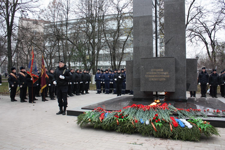 В Вологде отреставрировали памятник погибшим сотрудникам МВД
