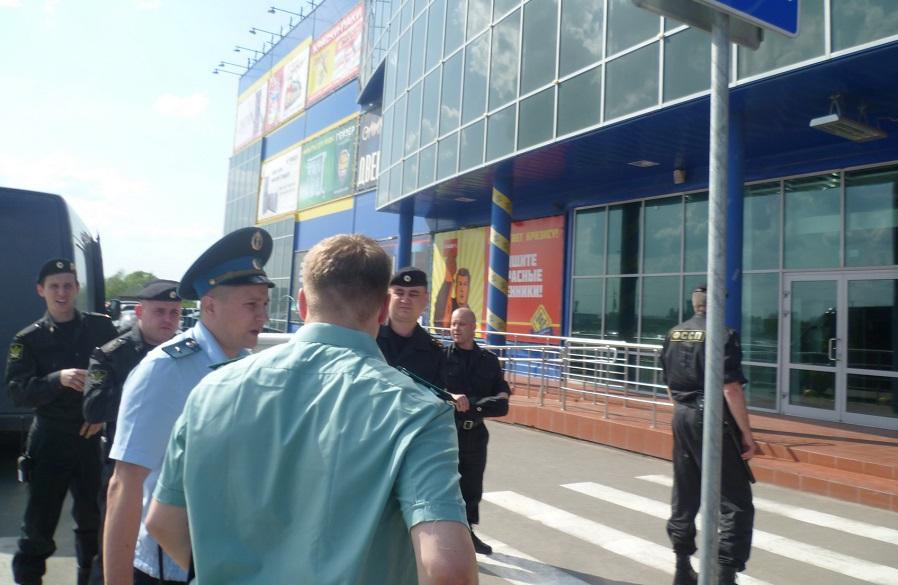 Окружной суд Северо-Запада отменил решение о сносе гипермаркета «Идеи для дома» в Вологде