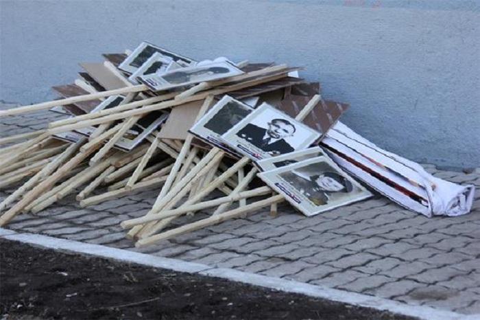 """Создатели """"Бессмертного полка"""" обратились в прокуратуру из-за выброшенных участниками парада плакатов"""