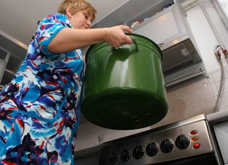 В администрации Вологды объяснили отключение горячей воды больше, чем на две недели, износом сетей