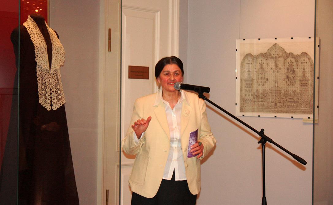 Выставка художника Галины Мамровской открылась в Музее кружева