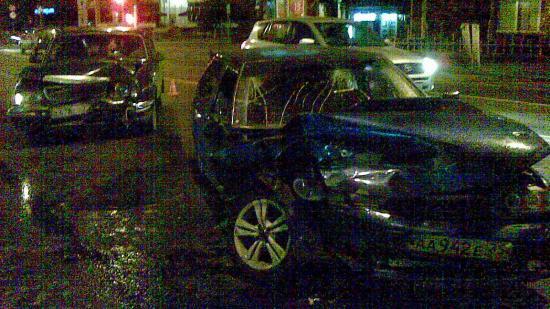 Автомобили после ДТП затруднили движение транспорта по направлению из центра