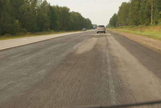 Навигатор настоятельно рекомендовал быть внимательными на этом участке - уж очень плохая дорога! Наши водители только посмеялись.