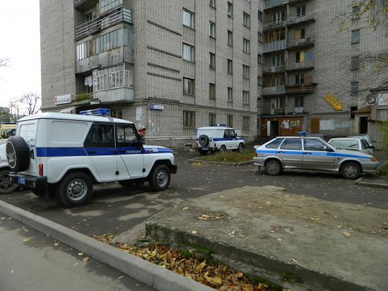 На место происшествия выехали сотрудники полиции