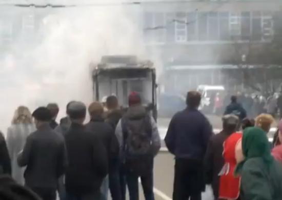 Троллейбус сгорел на вологодском вокзале