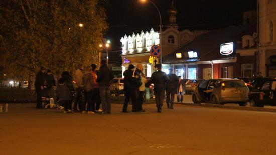 Водители и прохожие поддержали голодающих дольщиков в центре Вологды (ВИДЕО)