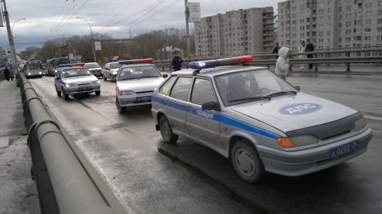 Пять автомобилей столкнулись на Ленинградском мосту