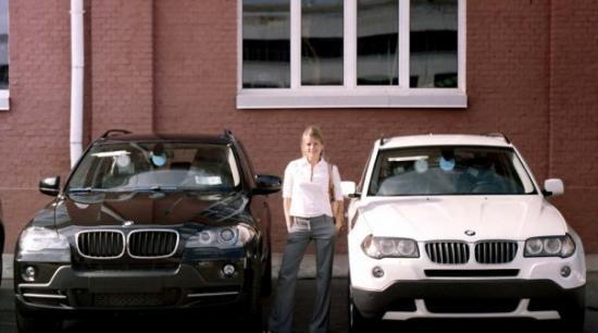 Я между двумя BMW X5