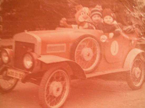 мечта мальчишек - автомобиль