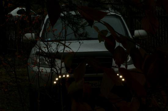 Мой автомобиль. Фото сделано на приусадебном участке. 16 октября, вечер.
