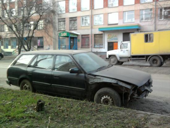 Операция Ы: груда металлолома в центре города
