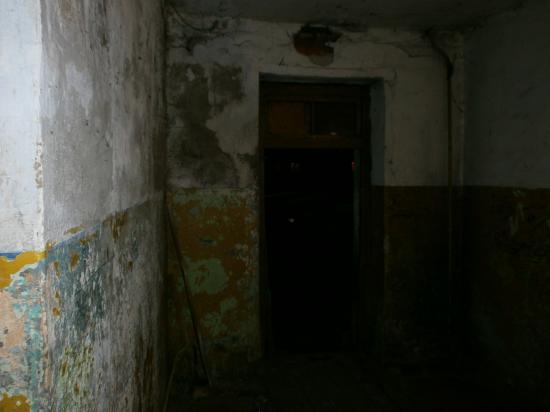 Беляева, 3. здесь живут люди...