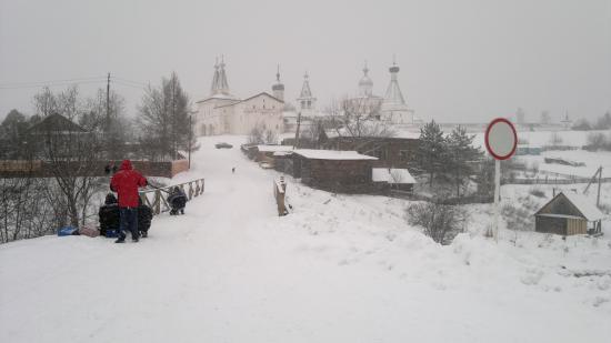Телевизионщики не уезжают из Ферапонтово