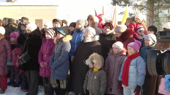 Новый хоккейный корт открыли в поселке Ермаково