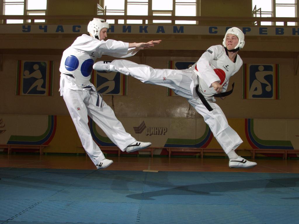 Вологодские спортсмены стали призерами на соревнованиях по тхэквондо в Санкт-Петербурге