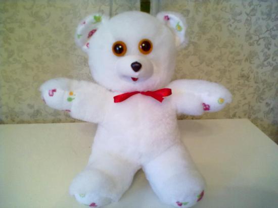 А этого медведя я купила в отделе мягкой игрушки в