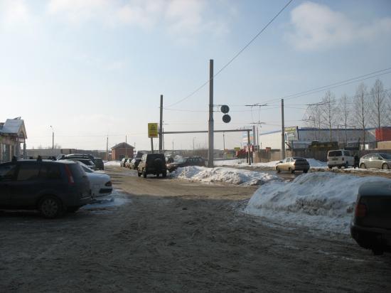 Лениградская 115. По проекту здесь должен появиться еще один светофор.
