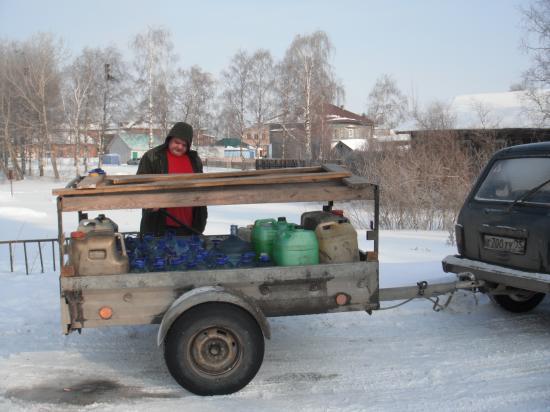 Если бы столько водички купить в Вологде, пришлось бы раскошелиться.
