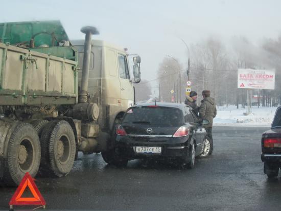 ДТП на перекрестке улиц Окружное шоссе - Панкратова