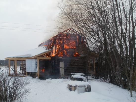 В Маеге сгорел дачный дом