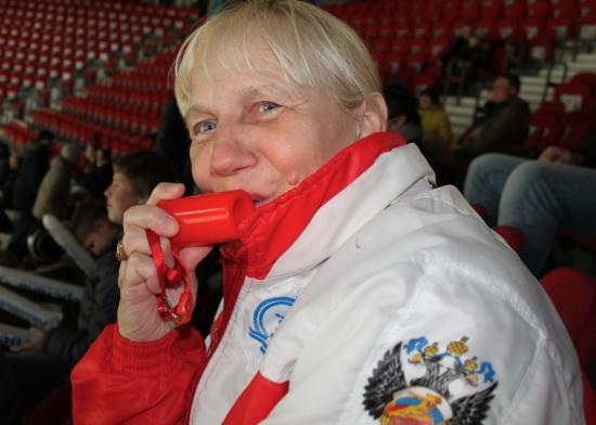 Ярая болельщица хоккея Борисова Галина Геннадьевна.