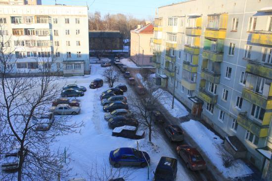 На улице Ветошкина, регулярно появляются пробки во дворе