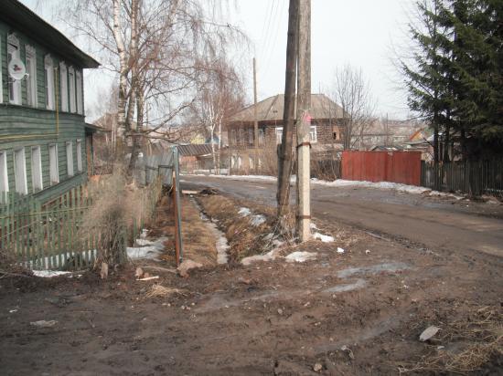 Говорят, русский мужик не перекрестится, пока гром не грянет. В Кубенском уже грянул гром. 16 апреля погибла женщина на дороге у перекрёстка.