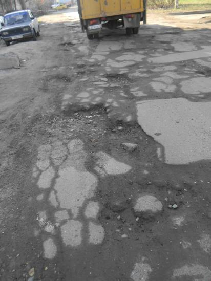 Вологодская колдобина: ямы на Судоремонтной