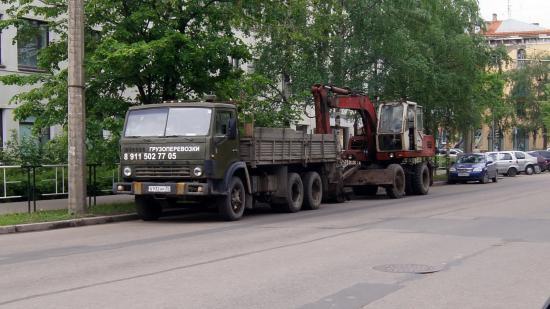 Трактор и грузовик столкнулись на Зосимовской
