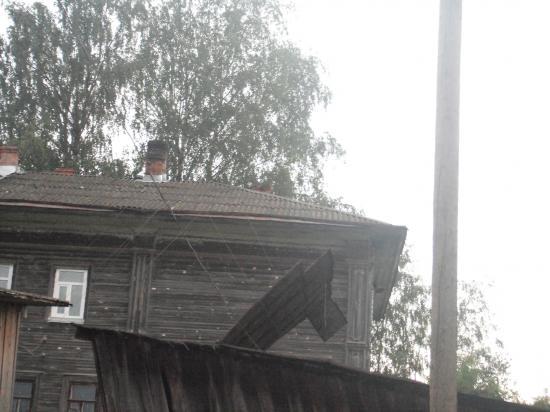крыша теперь под напряжением