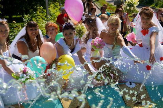 Парад невест в Череповце
