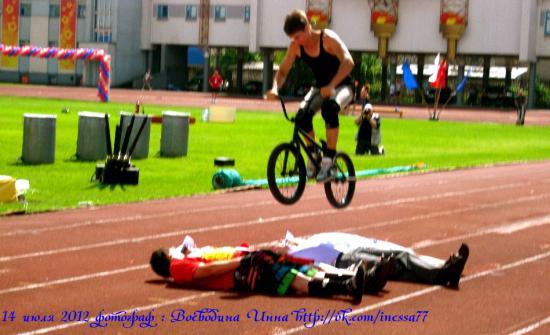 экстрим прыжки через людей