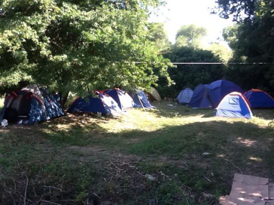 Лагерь волонтеров (фото Марии Борисовой, http://direstepireste.livejournal.com/110648.html)