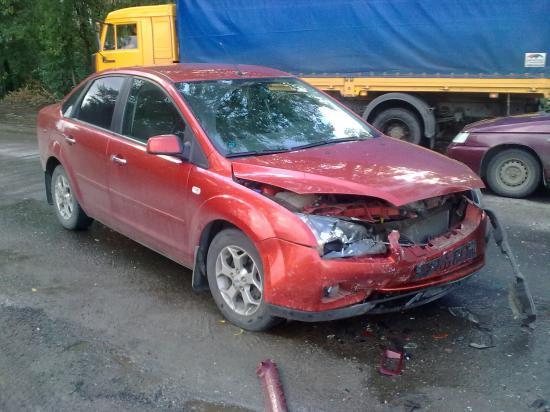 Машина участника аварии на улице Гагарина