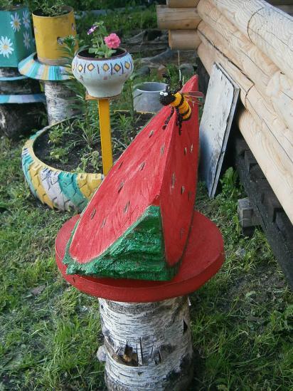 Об идее сделать сочную арбузную дольку из старого тополя рассказала Ольга