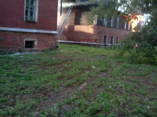 Горит второе здание школы искусств в Устюжне