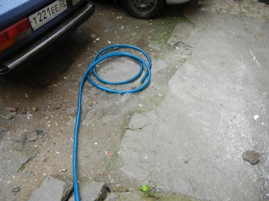 Пытаемся хоть как-то сделать поток воды меньше...